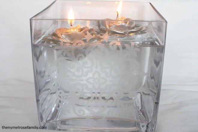 Centre de table avec bougies flottantes gravé