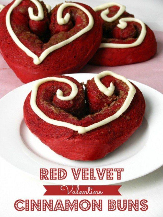 Red-Velvet-Cinnamon-Buns.jpg