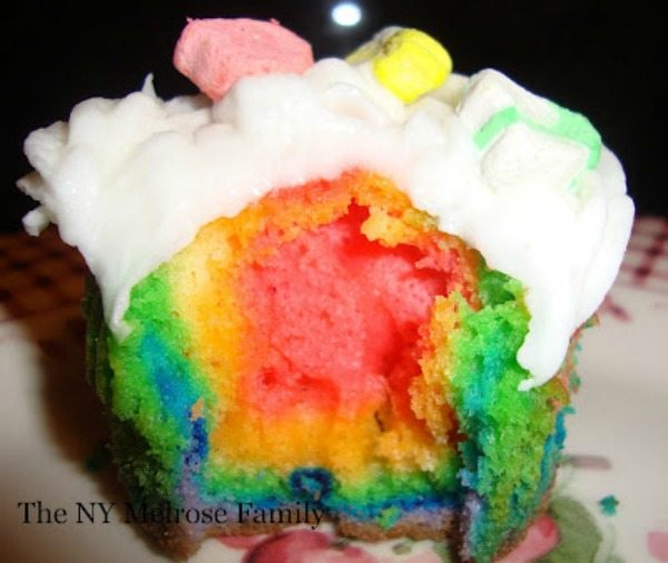 rainbow-lucky-charm-cupcakes - The Melrose Family