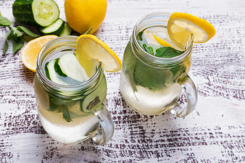 2 Gin Lemon Juice Mason Jar Cocktails