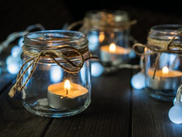 Mason Jar Tea lights lined up