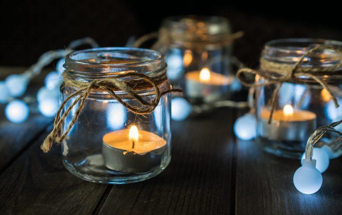 Mason Jar Tea lights lined up