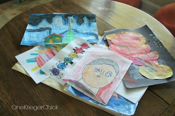 easy-way-to-incorporate-all-that-kids-artwork-into-your-decor1
