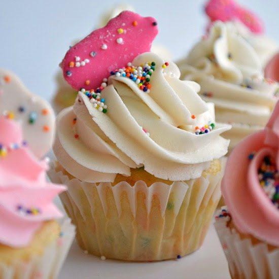 Circus Animal Cookies Cupcakes