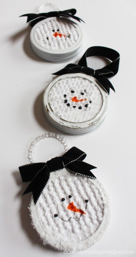 Mason-Jar-Lid-Snowman-Ornament-2