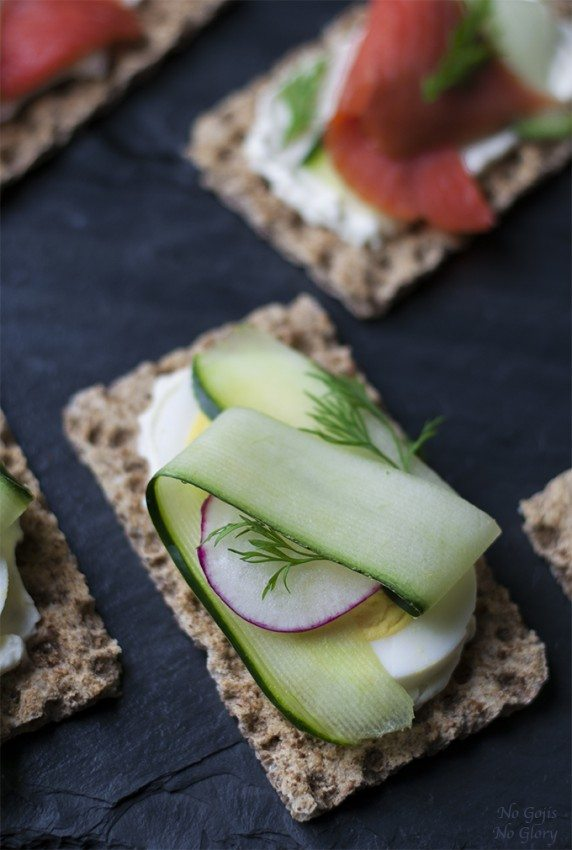 Crispbread-with-Cucumber-Egg-Topping_PI