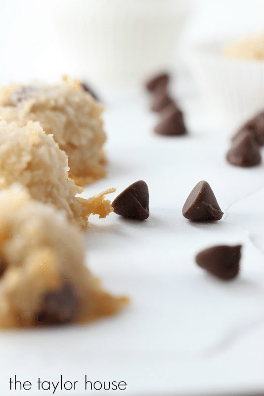 Healthier Coconut Macaroons with Chocolate Chips