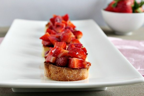 Strawberry Bruschetta Appetizers | The NY Melrose Family
