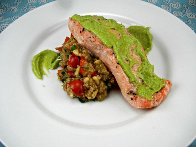 Eat-your-colors-with-this-recipe-Salmon-with-Avocado-Pesto-Tomato-Quinoa-Salad-easydinner-healthy-1024x768