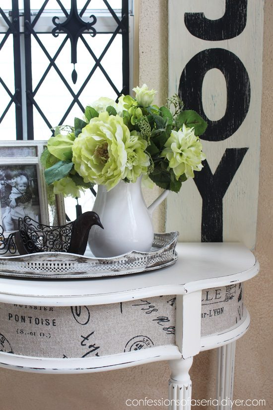 Entry-Table-with-Fabric-Inlay-5