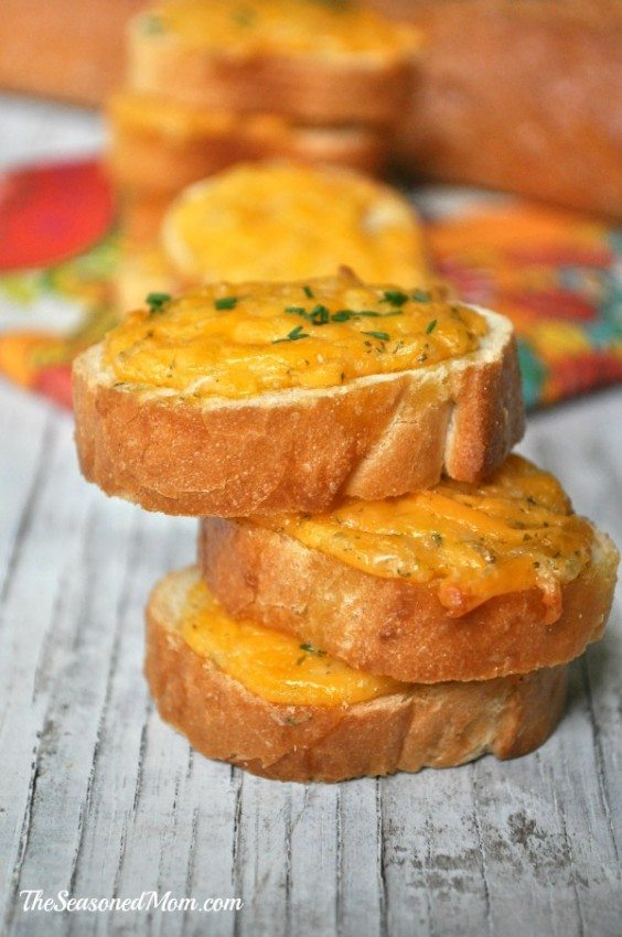 Easy-Ranch-Cheesy-Bread