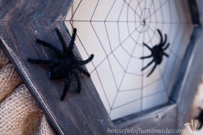 Halloween Wreath Spiders