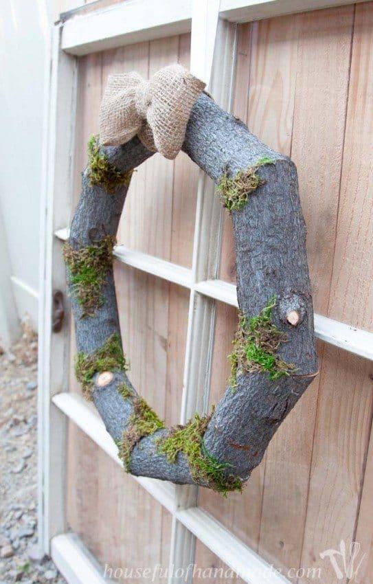 Woodsy-Fall-Log-Wreath-3