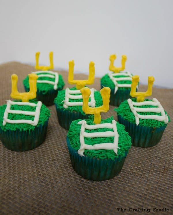 Goal Post Field Goal Cupcakes