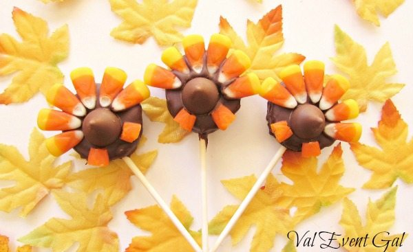 Turkey Tail Oreo Pops for Thanksgiving