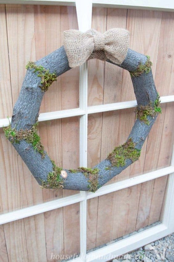 Woodsy-Fall-Log-Wreath-9