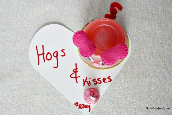 Hogs & Kisses Valentine Above