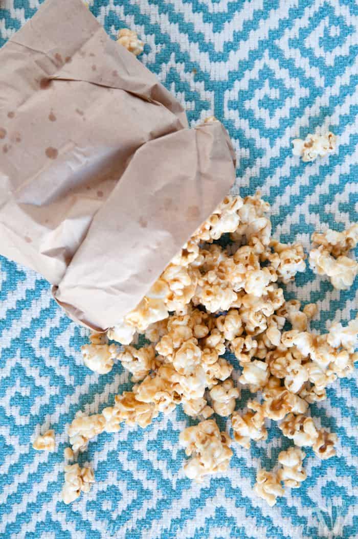 Chewy-Peanut-Butter-Caramel-Popcorn-4