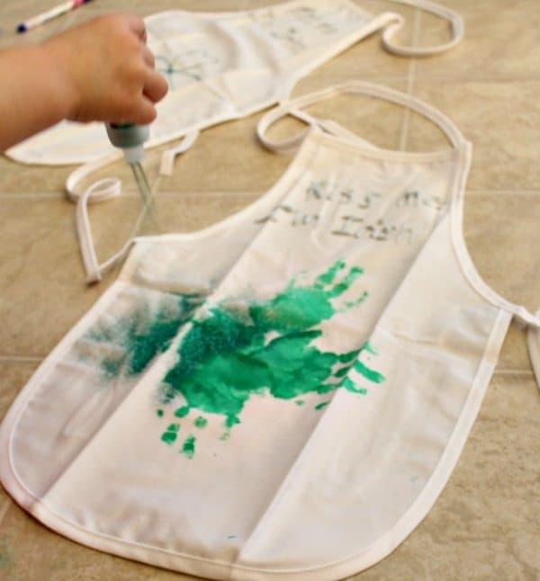 St. Patrick's Day Crafts - Glittered apron
