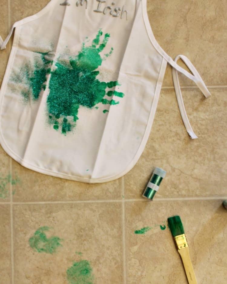 St. Patrick's Day Crafts - Handprint Aprons