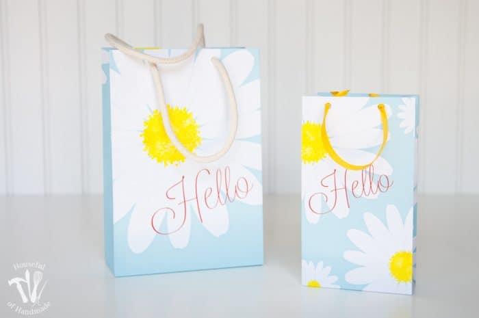 photo relating to Printable Gift Bags named Printable Daisy Reward Luggage -- No cost Printable