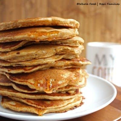 Whole-Wheat-Banana-Nut-Pancakes-400x400
