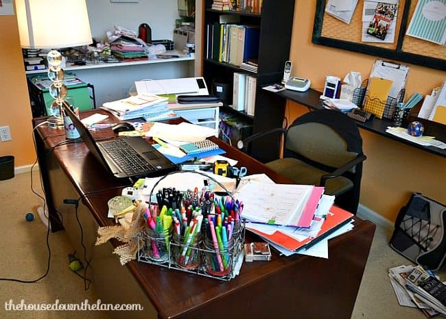 Messy-Desk-wm