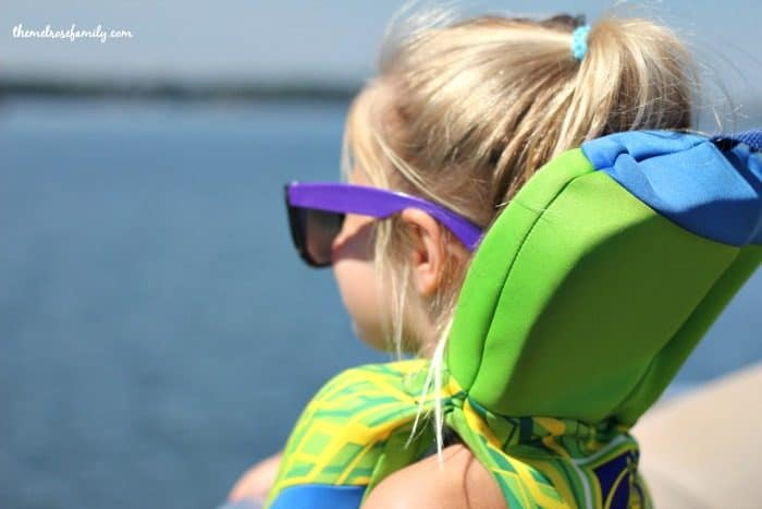 Tips for Sun Protection - wear sunglasses