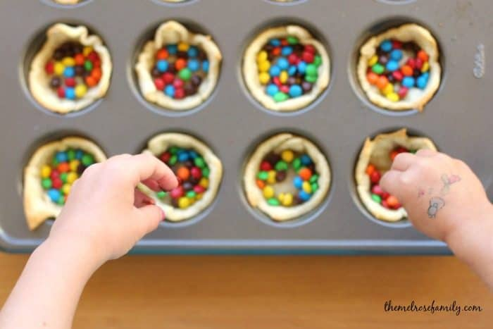 Mini M&M Pie Crust Helpers