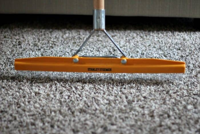 Carpet Cleaning Tips with a Rake
