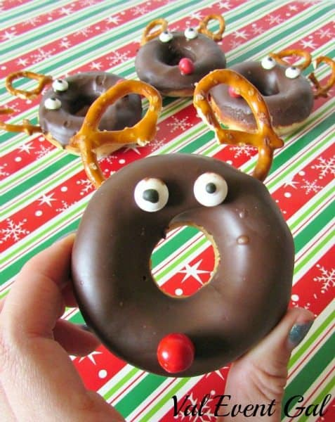 reindeer-donuts-up-close