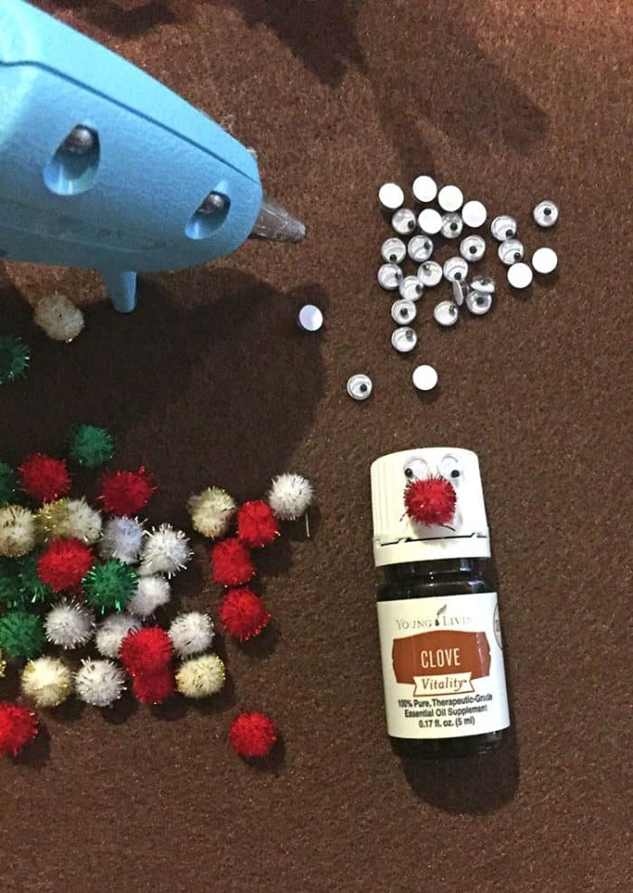 It is easy to make a cute essential oil gift topper
