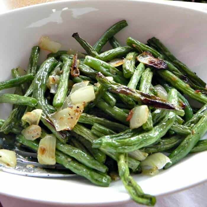 Oven Roasted Green Beans with onion