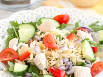 This healthy chicken orzo salad makes the perfect lunch!