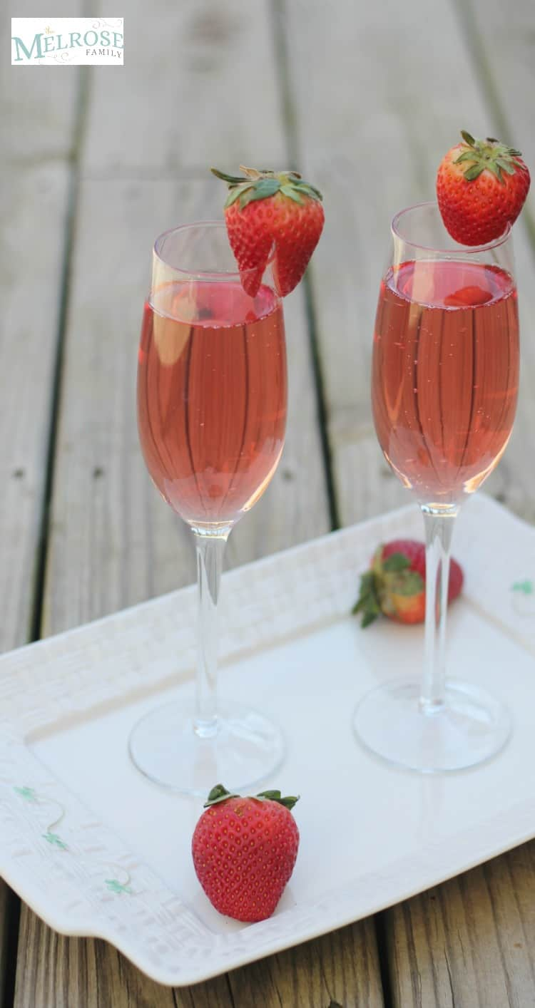 Refreshing Strawberry Spring Spritzers