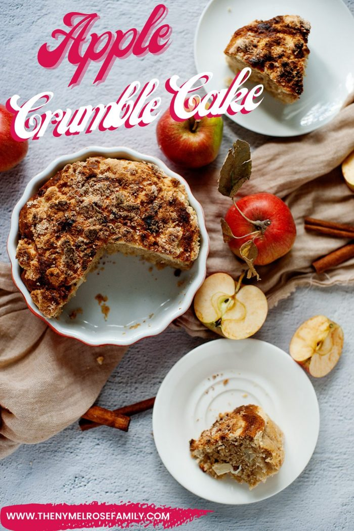 Apple Crumble Cake with Apples