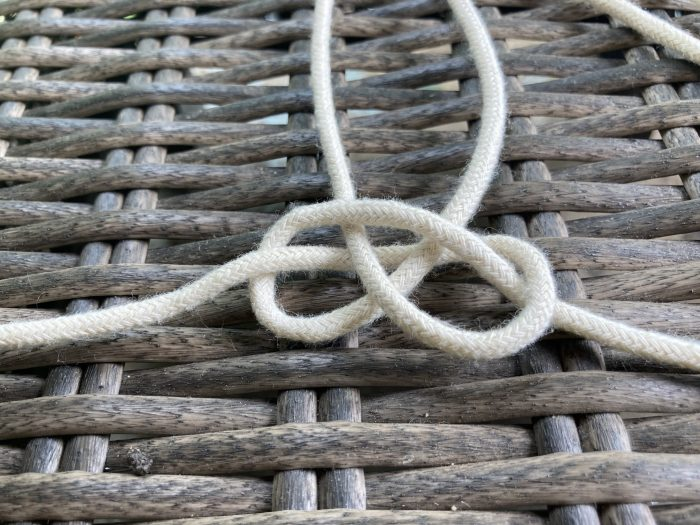 making a spider knot using macrame cord